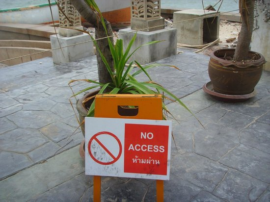 The Regent Cha Am Beach Resort:                   no way in
