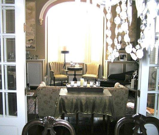 Hughson Hall: Parlor