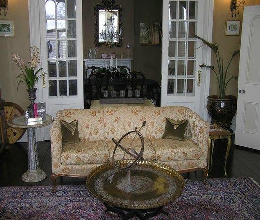 Hughson Hall: Guest Parlor