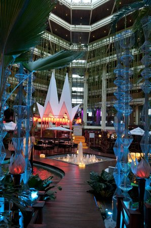 Paradisus Cancun:                   Decor and lighting...exquisite...