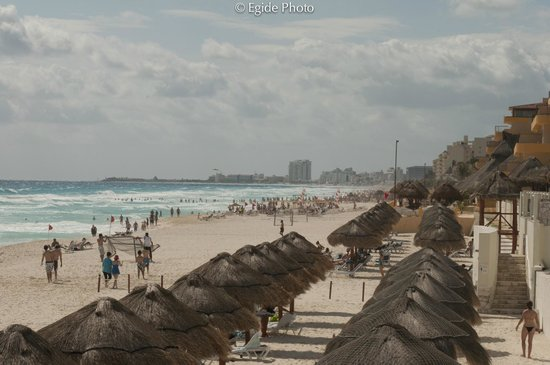Paradisus Cancun:                   Perfect long beach...