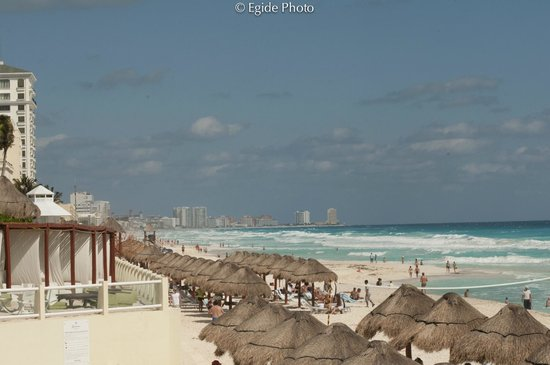 Paradisus Cancun:                   Perfect beach