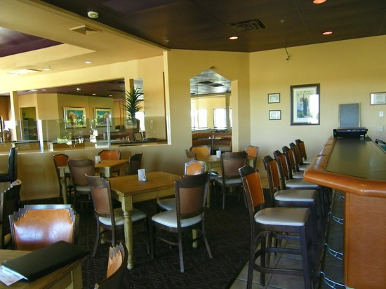 Abrego Grill at Torres Blancas Golf Course : Bar and Lounge