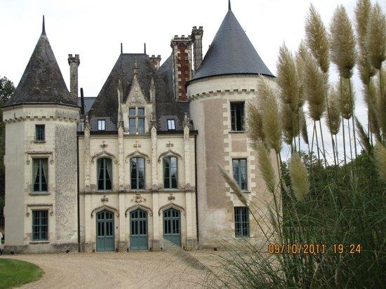 Chateau des Arpentis:                   Arriving to the Château