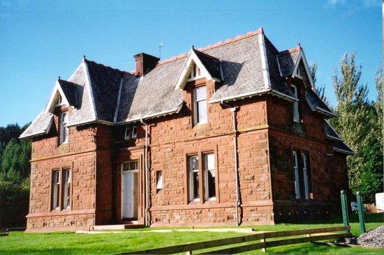 Montrose House