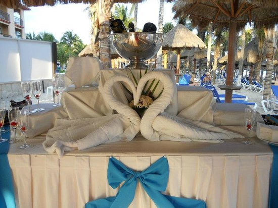 Sandos Playacar Beach Resort:                   Wedding Champagne toad setup
