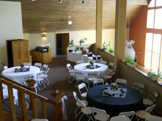 Cascade Village: Wedding and Conferences:  Mid Room in the Benchmark Building