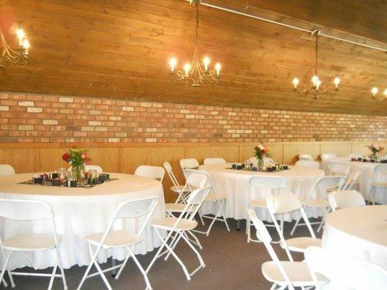 Cascade Village: Weddings & Conferences:  The Top Room