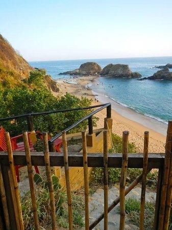 Posada La Barca:                   Steps down to beach