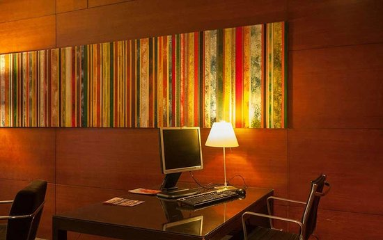 Hotel H2 Elche: Business Corner