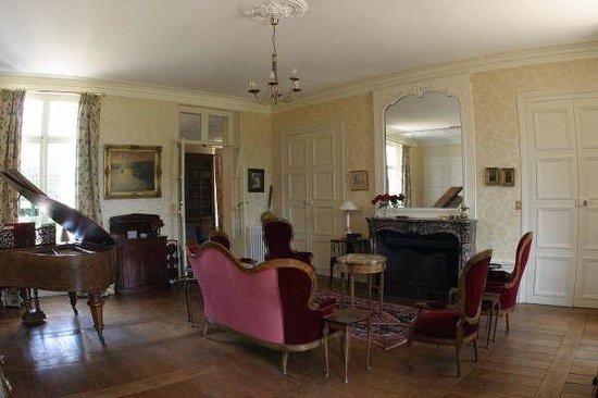 Chateau de la Puisaye Photo