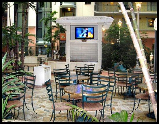 إمباسي سويتس - إف تي. لاودردال/سيفنتينث ستريت:                   Atrium Courtyard                 