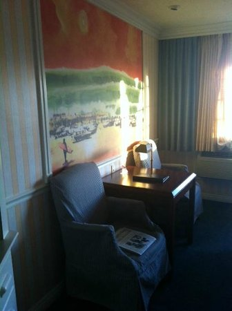 Bay Shores Peninsula Hotel:                   Room 303