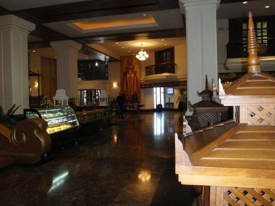 Kandawgyi Palace Hotel:                   hall albergo