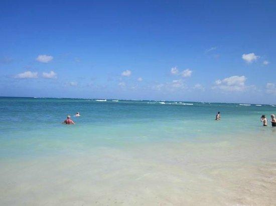 Brisas Guardalavaca Hotel:                   Beautiful sea at Brisas