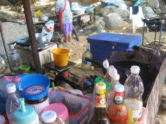 Nai Harn Beach:                   cucina all'aperto