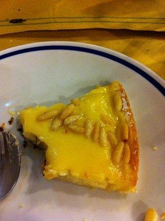 La Pizza di Egizio :                   torta pinolata e crema