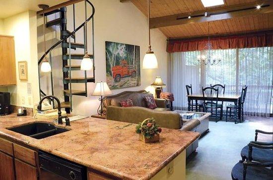 جونيباين ريزورت: Living room