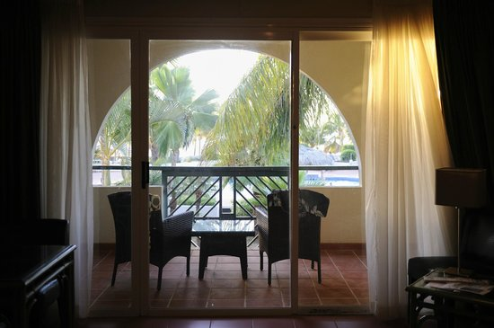 Plaza Resort Bonaire:                                     Looks Great.  Note, no screen door.
