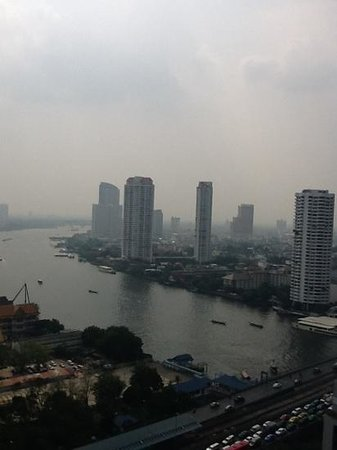 Centre Point Silom:                   view from balcony it was a bit overcast that day!