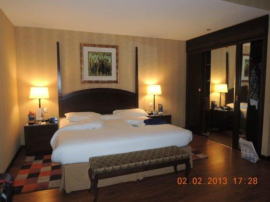 Flora Grand Hotel:                   Comfy bed