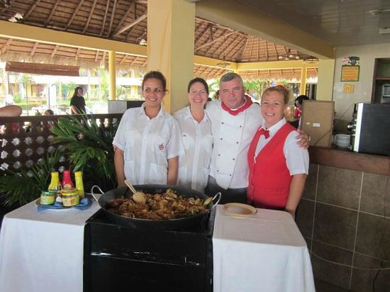 Brisas Guardalavaca Hotel:                   Lisset,Danny, Chef and Maria - staff at Cuban Restaurant