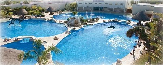Dolphinaris Cancun : Cancun facilities.