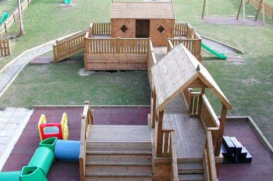Clonakilty Park Hotel:                   The kids loved the outdoor & indoor playgrounds!