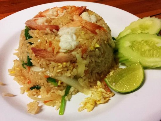 Kao Tom Por Peang :                   Egg fried rice with prawn ^_^