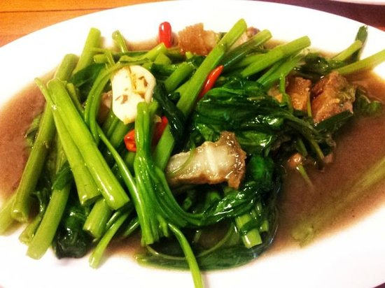Kao Tom Por Peang :                   Morning glory with oyster sauce ^_^