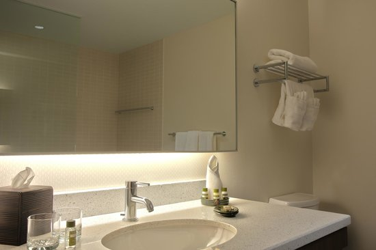 V Hotel Moncton Reviews