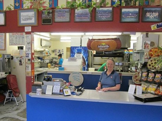 Annie's Pizza Station:                   Happy staff at the order counter