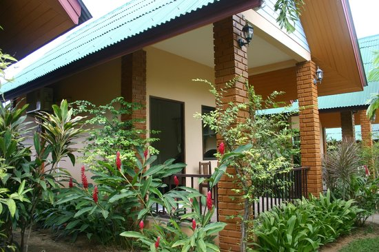 Tanamas House :                   Great grounds