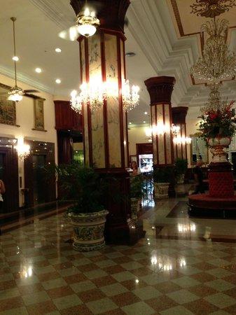 Hotel Riu Palace Paradise Island:                   Lobby