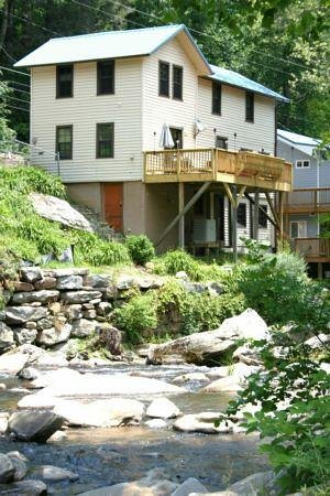 Bat Cave River Cottages Photo