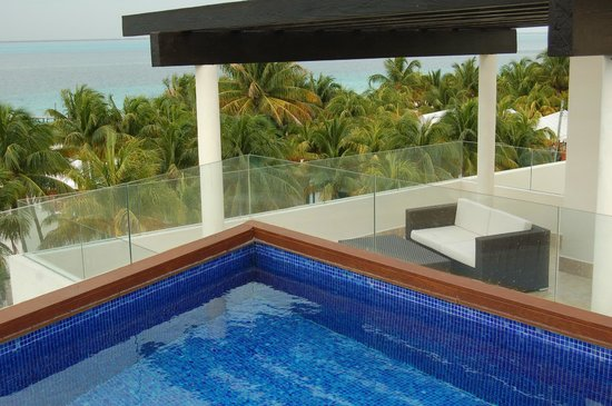 Privilege Aluxes:                                     Terrace and private pool