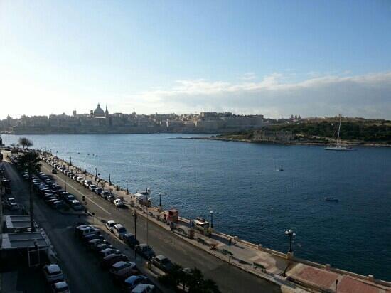 Sliema Marina Hotel :                   very nice view !