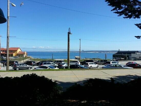 Trailside Cafe:                   breakfast bay view.