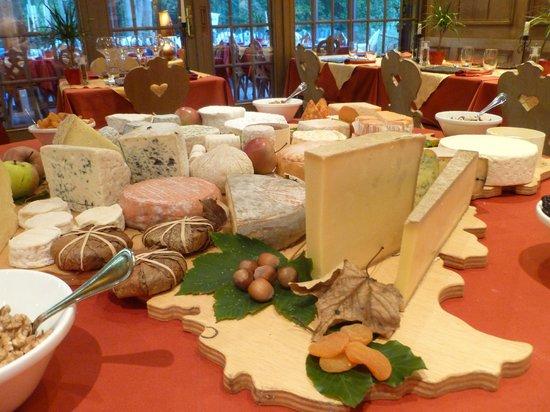 Hotel Restaurant les Pins : Notre plateau de fromages