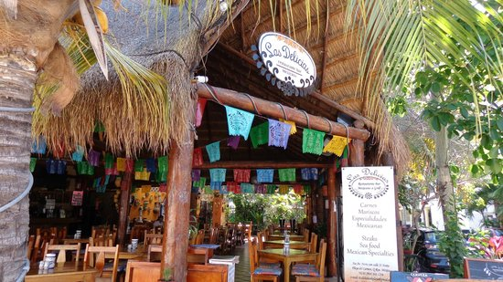 Las Delicias:                   From the outside