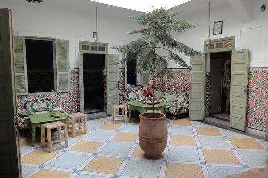 Tlaatawa-Sitteen:                                     Cosy courtyard