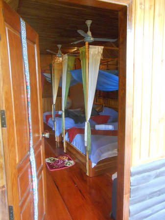 Thongbay Guesthouse:                   Chambre