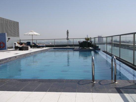 Park Regis Kris Kin Hotel:                   rooftop pool