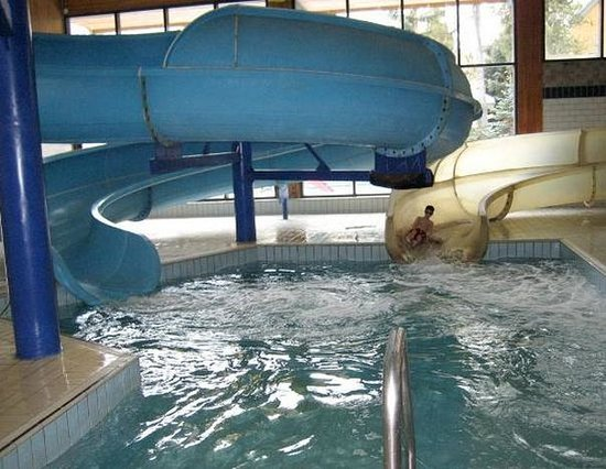 Douglas Fir Resort & Chalets:                   waterslide