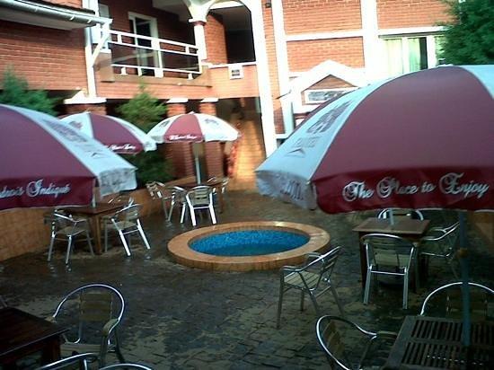 Talotel:                                     patio