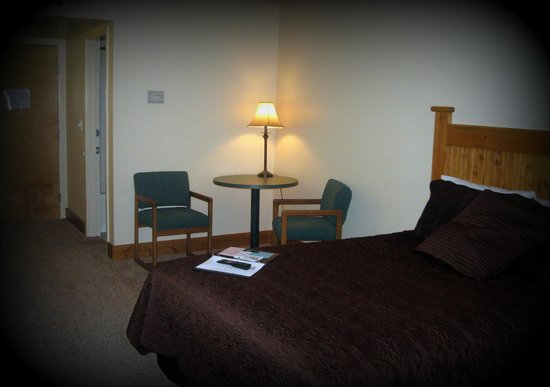 Elkhorn Mountain Inn : Single queen room