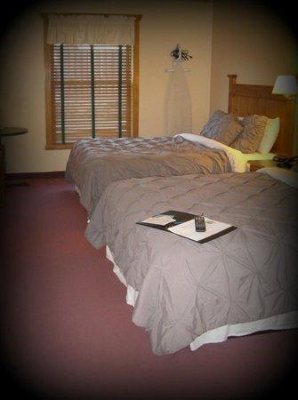Elkhorn Mountain Inn : Double queen room