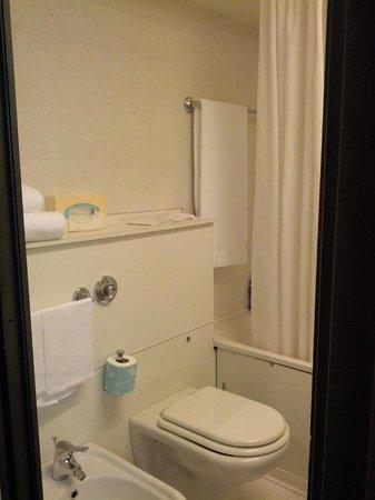 โรงแรมพิตติ พาเลส อัล ปอนเต เวคคิโอ:                   Bagno