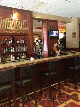 Mineral Palace Hotel and Gaming: Casino Lounge
