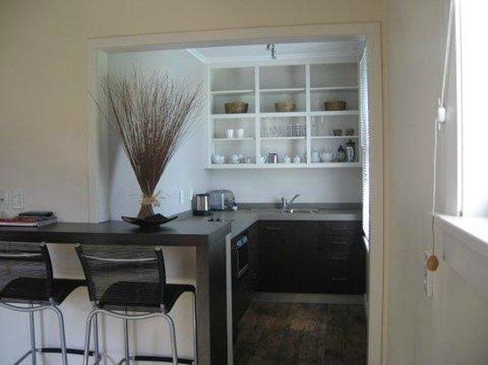 Airlie House: Studio Kitchen